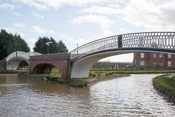 Oxford_Canal_[North]-2010.jpg